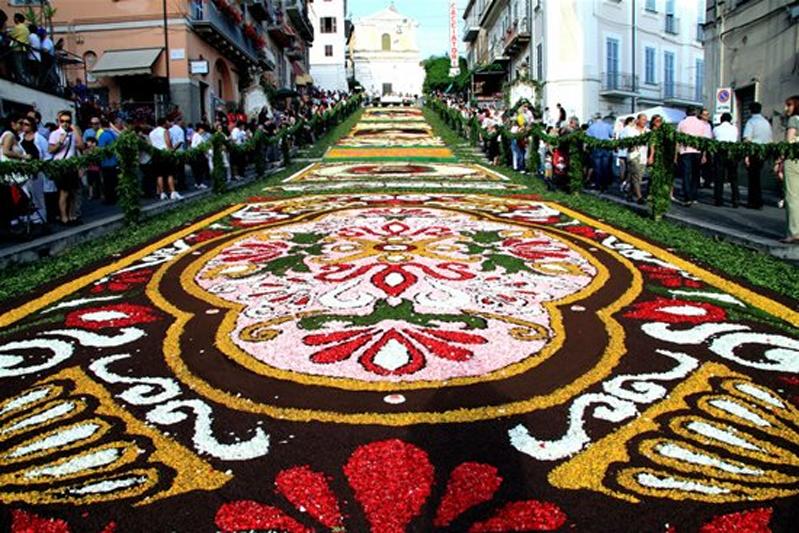Цветочный ковер в Италии