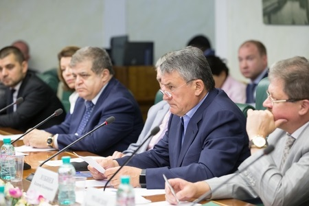 Совет Федерации аккумулировал идеи, связи и средства в помощь Донбассу
