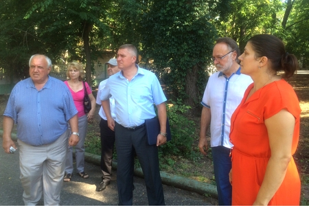 А. Тотоонов подготовит предложения по решению проблем вынужденных переселенцев с Юго-Востока Украины