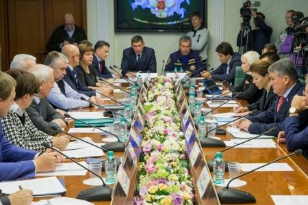 «На Украине сейчас нет войны, но нет и мира…» Заседание Комитета общественной поддержки жителей Юго-Востока Украины
