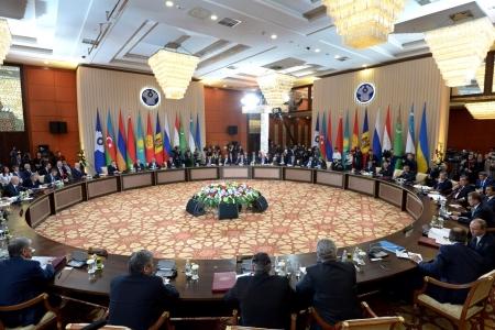 Встречи лидеров СНГ в международном интерьере