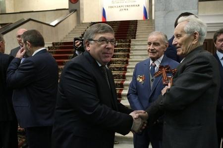Сенаторы поздравили ветеранов с Днем Победы