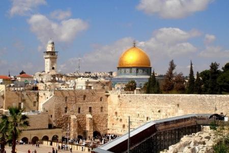 Входишь в Манеж - попадаешь в Израиль