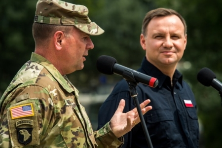 Польша – за милитаризацию Восточной Европы