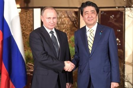 Визит Владимира Путина в Японию: экономика против политики