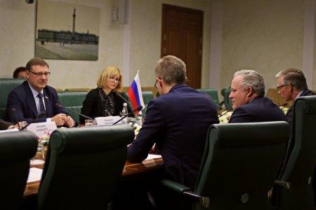 К. Косачев:  нельзя скатываться в режим конфронтации