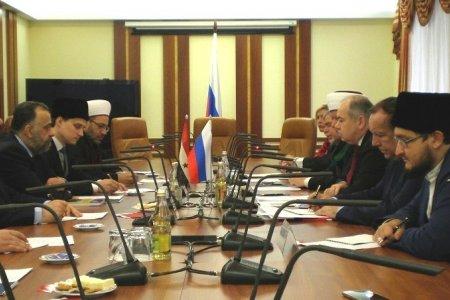 Ильяс Умаханов: важно подкрепить военные победы в Сирии над террористами активной просветительской деятельностью