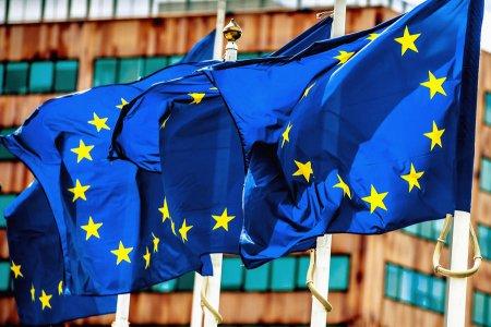Евросоюз готовится к выборам и страхуется от поражений – через запугивание «русскими хакерами»