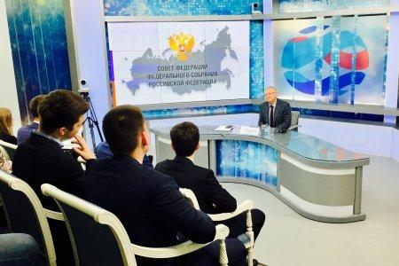 Олег Морозов: «Принесите мне учебник по демократии»