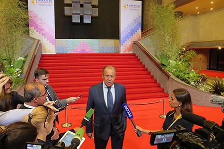 Комментарий и ответ на вопрос CМИ Министра иностранных дел России С.В.Лаврова по итогам двусторонних встреч