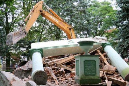 Советские памятники в Польше и государственный вандализм
