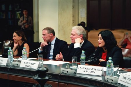 Американские сенаторы впечатлены работой Общественной палаты РФ