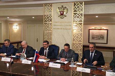 Россия и Ирак развивают парламентские контакты