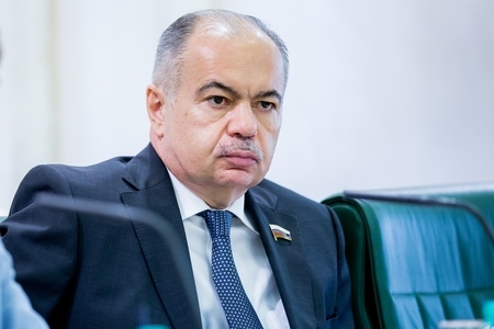 И. Умаханов встретился в Санкт-Петербурге с главой национальной делегации Бангладеш и членами парламентской делегации Марокко