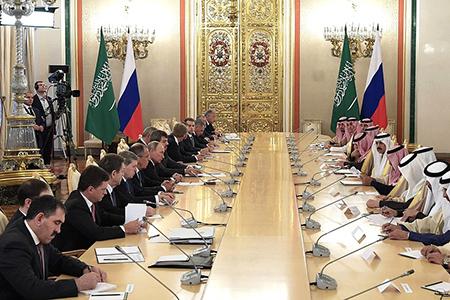 Начало российско-саудовских переговоров в расширенном составе