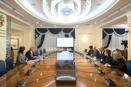 Сенатор А. Пушков встретился с Представителем ОБСЕ по вопросам свободы СМИ А. Дезиром