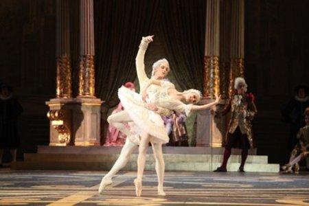 «Элегантная красота классического танца» артистов балета Мариинского театра покоряет страны АТР