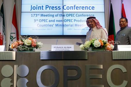 Соглашение ОПЕК+ продлено до конца 2018 года