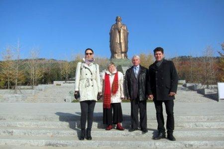 Конфуций, Лев Толстой и Махатма Ганди объединили народы БРИКС