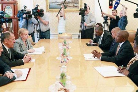 На саммите БРИКС в Йоханнесбурге пройдет двусторонняя встреча лидеров ЮАР и России