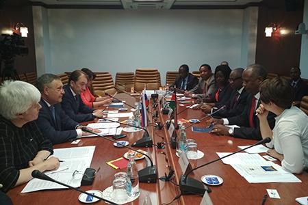 Россия и Кения укрепляют парламентские связи