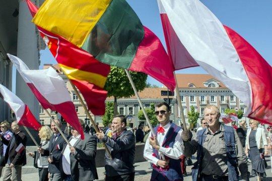 Варшава и Вильнюс: против литовских поляков?