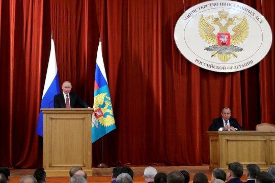 Выступление В.В.Путина на совещании послов и постоянных представителей России