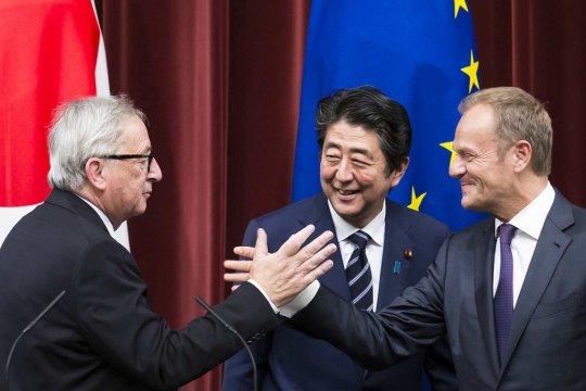 Поворот к Азии может стать ответом ЕС на обструкцию со стороны США