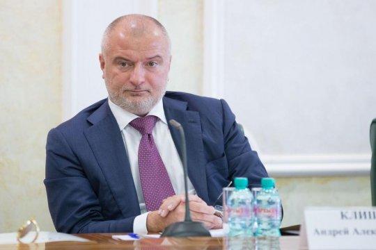 А. Клишас прокомментировал ситуацию с условиями содержания под стражей в США гражданки России М. Бутиной