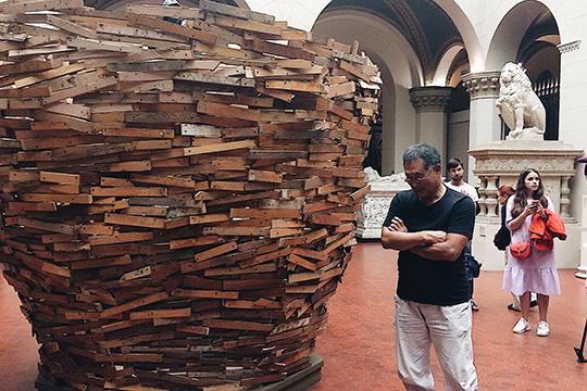 Японский художник Тадаси Кавамата свил гнездо в Государственном музее А. С. Пушкина