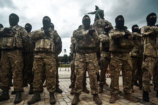Силовой выбор: националистические батальоны как фактор президентской кампании на Украине