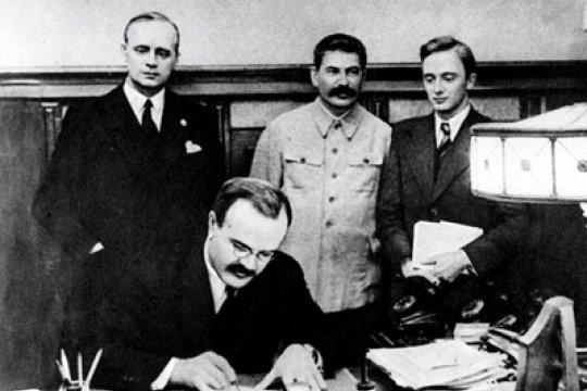 Пакт Молотова-Риббентропа: мифы и факты