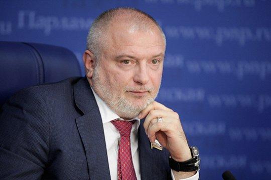 А. Клишас: Сенаторы поддерживают законопроект, наделяющий Президента РФ полномочием предоставлять российское гражданство в упрощенном порядке