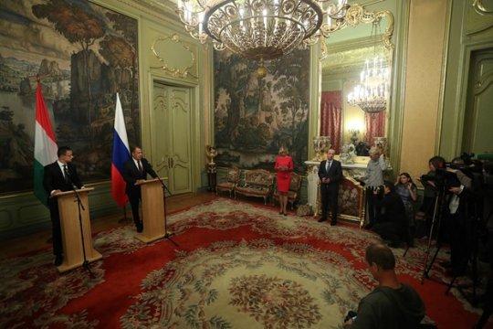 Киев свел на нет контакты с Будапештом - глава МИД Венгрии