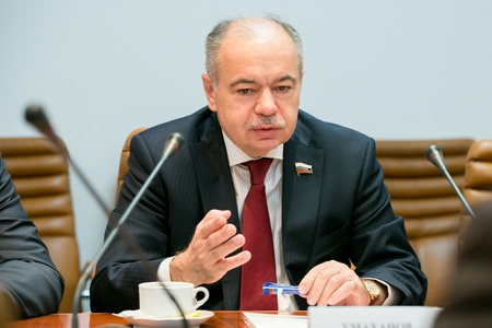 Умаханов: необходимо развивать отношения между регионами России и Турции