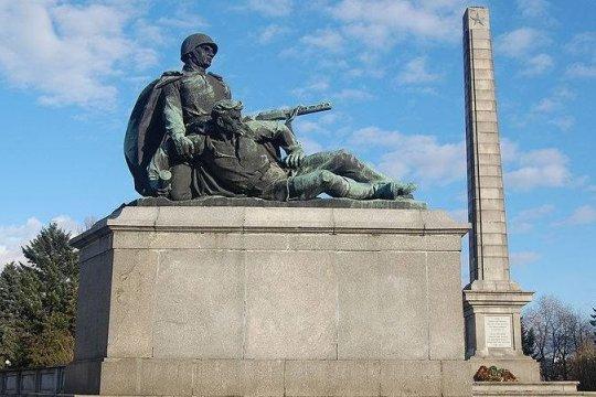 В Варшаве снесли памятник освободителям, поставленный горожанами на свои деньги - Хогницкая