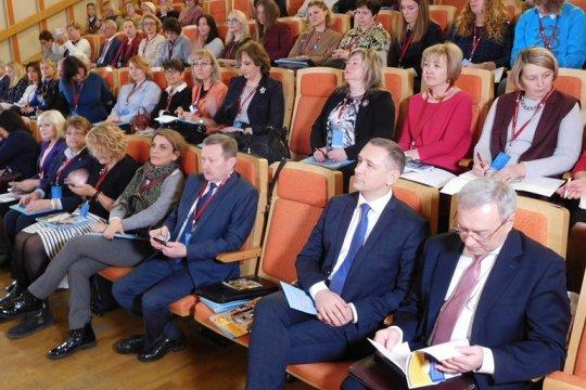 В Берлине проходит конференция по работе с русскоязычными детьми