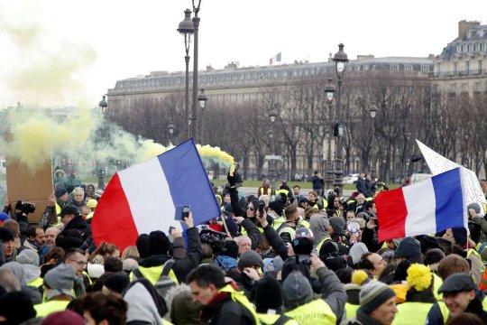 Италия против Франции: война элит вокруг «желтых жилетов» и Ливии