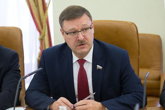 Косачев: США продолжают безумную санкционную политику
