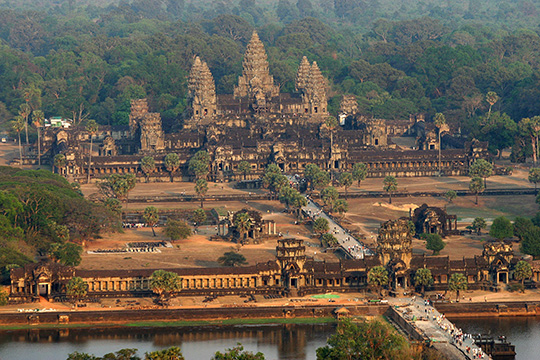 Камбоджа опирается на Китай