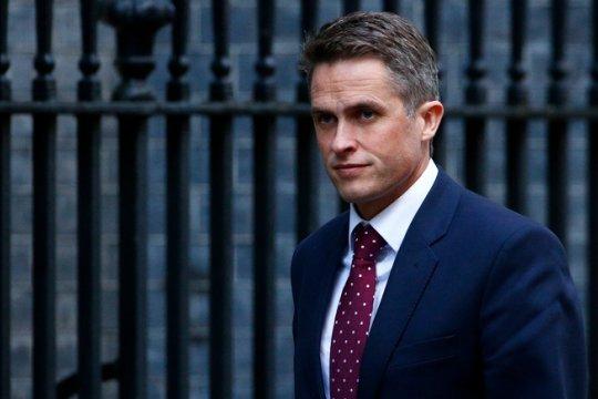 Британский министр обороны заявит о готовности применять «жесткую силу»