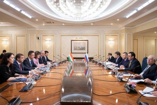 Петер Сийярто: Россия и Венгрия на правильном пути