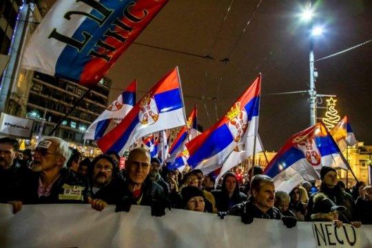 Сербская оппозиция попыталась заблокировать резиденцию президента