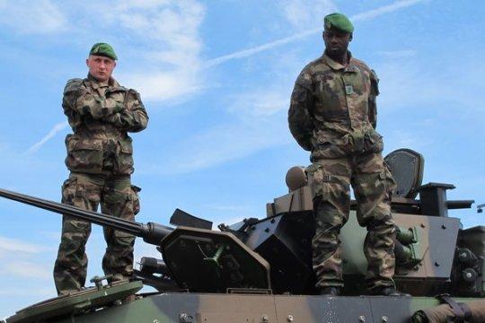 К российской границе будут направлены французские военные
