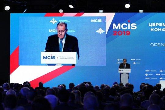 Сергей Лавров: Страны, призывающие к демократии, в международных отношениях недемократичны