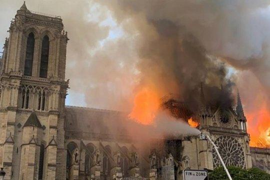 Нотр-Дам-де-Пари: собор, который мы потеряли