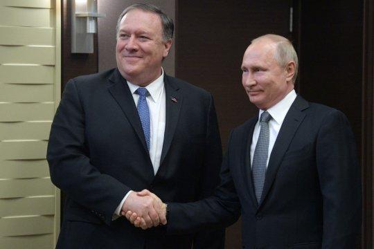 Президент России Владимир Путин принял госсекретаря США Майка Помпео