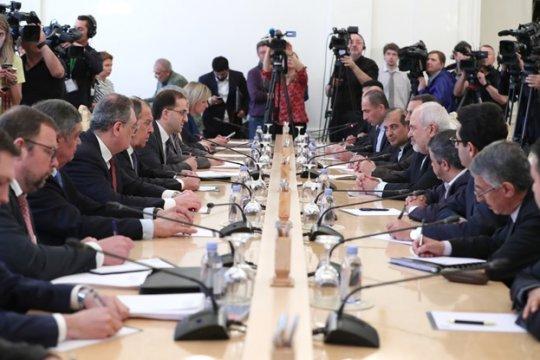 Сергей Лавров: Будем убеждать европейских партнеров выполнить обещания