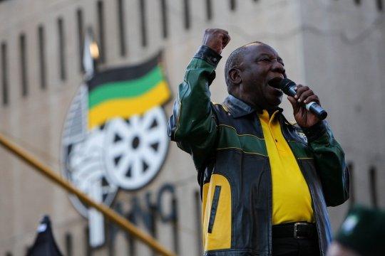 Южно-Африканская Республика продолжает писать свою историю под флагом АНК