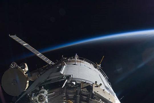 Стратегия NASA – начать шопинг на орбите. «А на Луну полетим потом»?